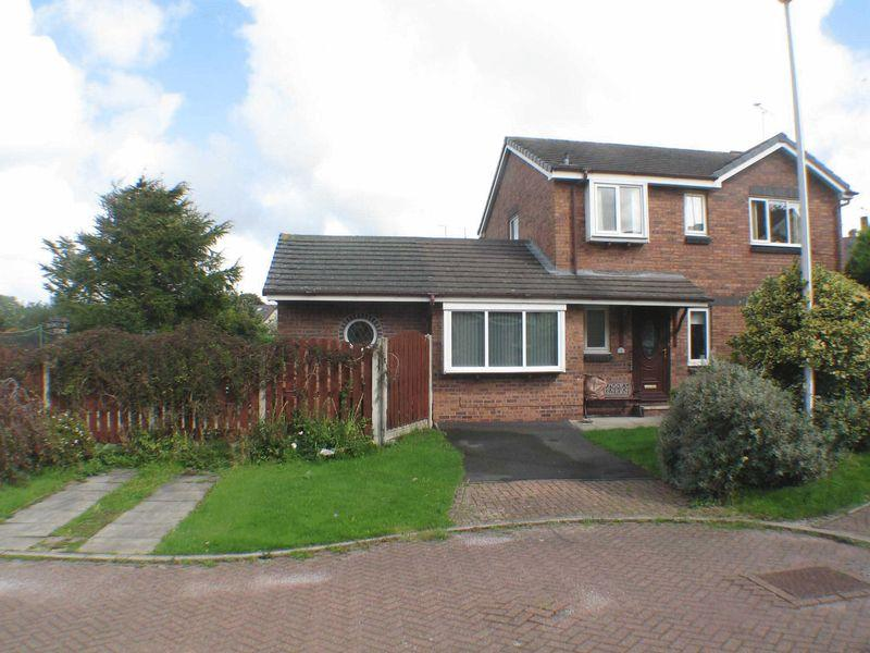 3 Bedrooms Detached House for sale in Stanley Park Close, Blackpool