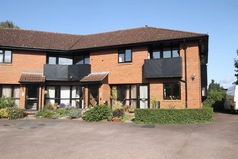 2 Bedrooms Retirement Property for sale in Burrows Court, Hampton Park, Hereford