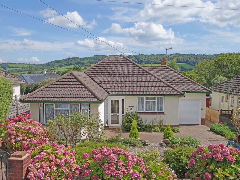 2 Bedrooms Detached Bungalow for sale in Newlands Road, Sidmouth