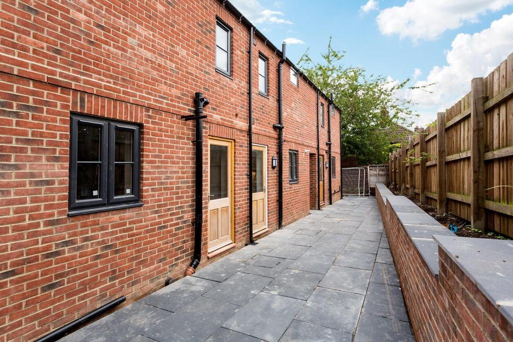 2 Bedrooms House for sale in Manor Road, Knaresborough