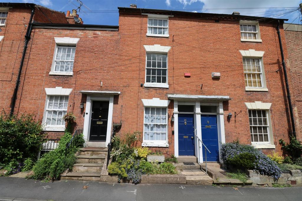 4 Bedrooms Town House for sale in Chapel Street, Warwick