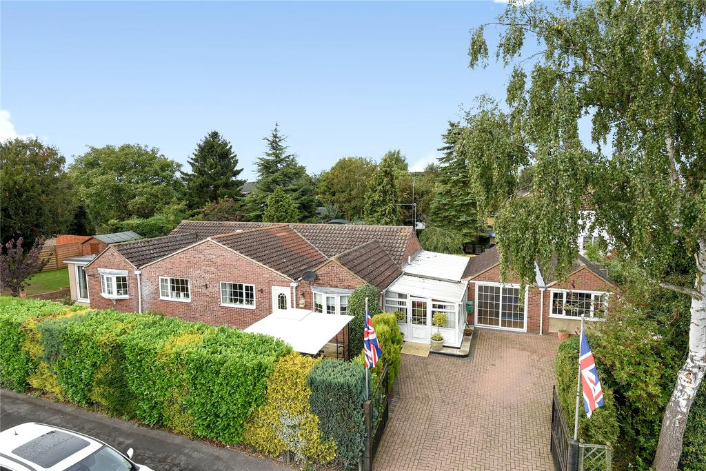 4 Bedrooms Detached Bungalow for sale in Churchill Way, Heckington, NG34