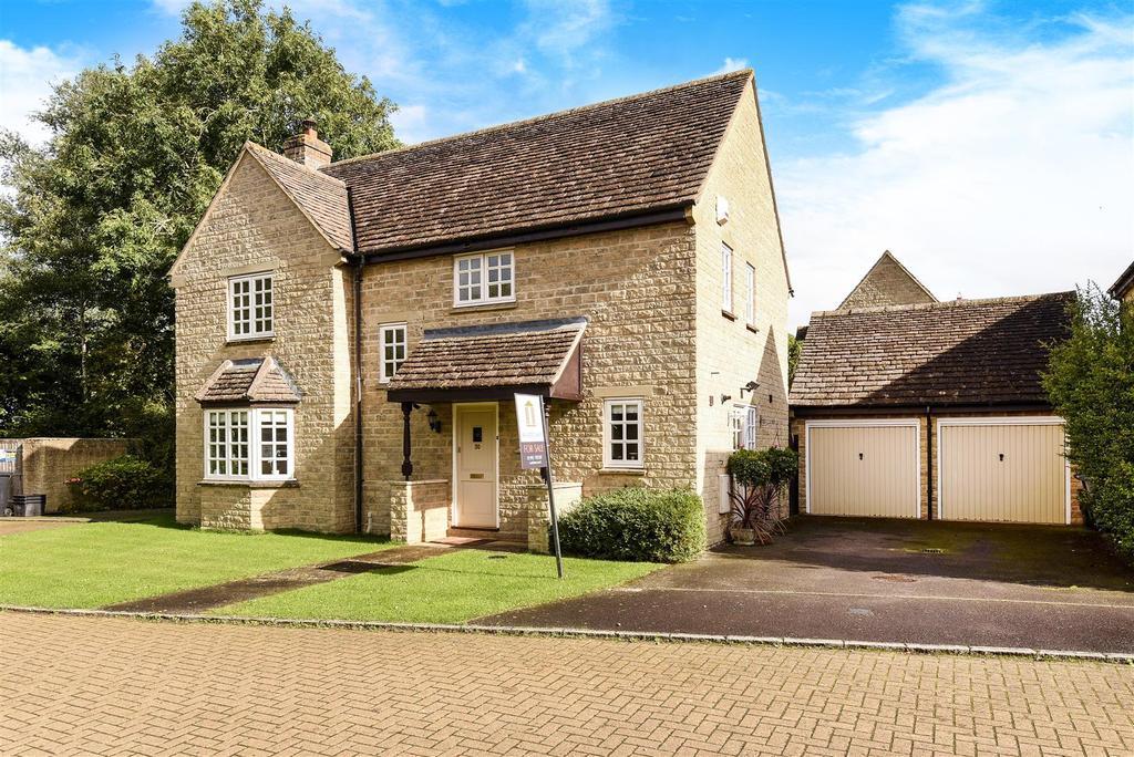 4 Bedrooms Detached House for sale in Bartholomew Close, Ducklington
