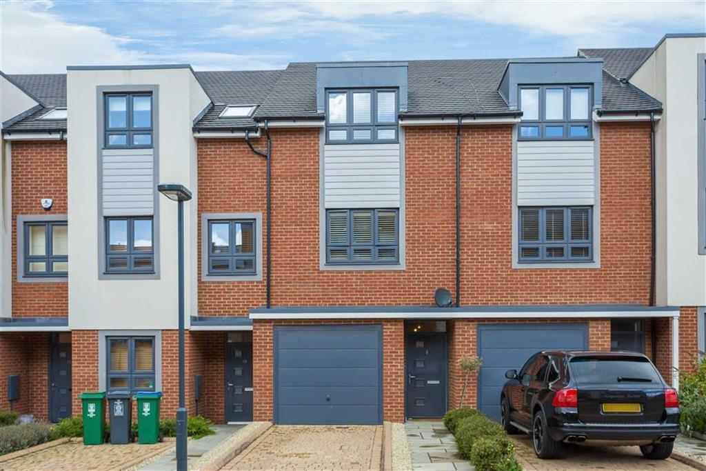 3 Bedrooms Terraced House for sale in Rembrandt Way, Watford, Hertfordshire