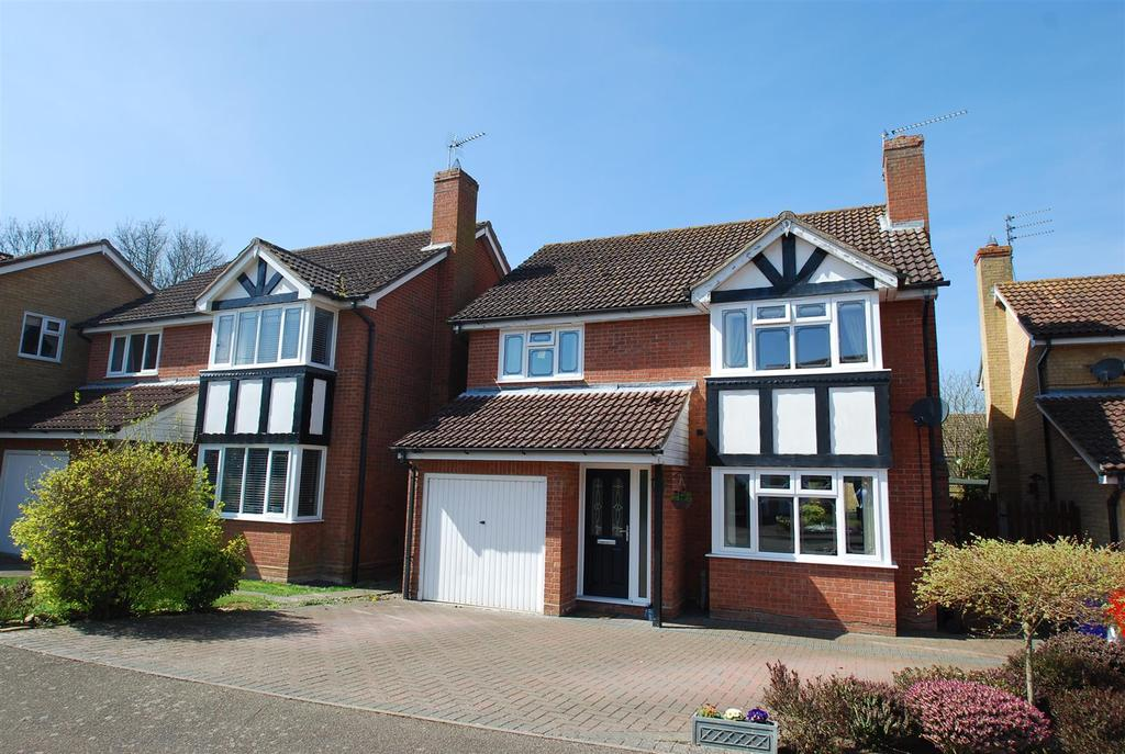 4 Bedrooms Detached House for sale in Ixworth