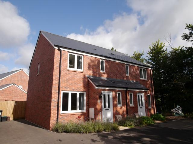 3 Bedrooms Semi Detached House for sale in Nash Drive, Wellington TA21