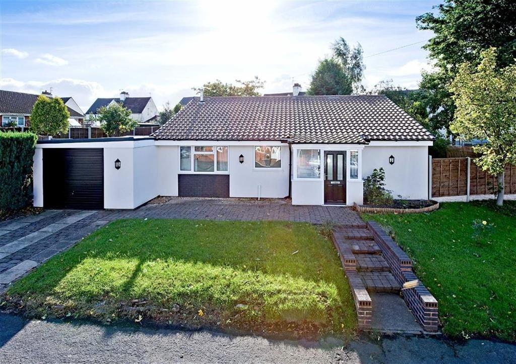 3 Bedrooms Detached Bungalow for sale in 139, Hazel Grove, Wombourne, Wolverhampton, South Staffordshire, WV5