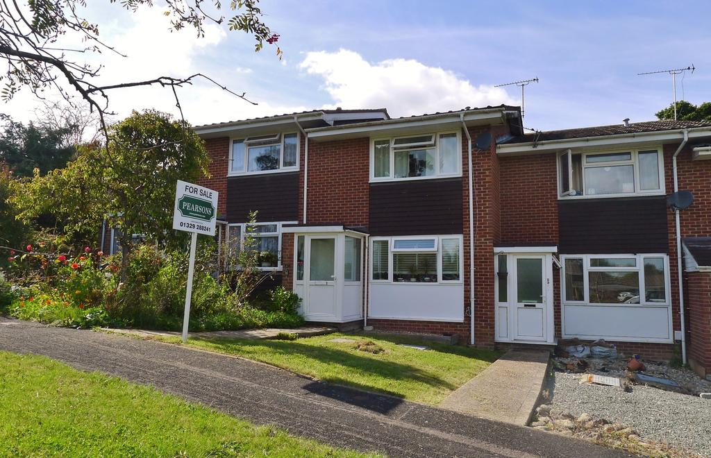 2 Bedrooms Terraced House for sale in POTTERS AVENUE, FAREHAM