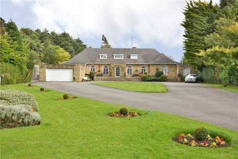 7 bedroom detached house for sale - The Croft, Harrogate Road, Alwoodley, Leeds