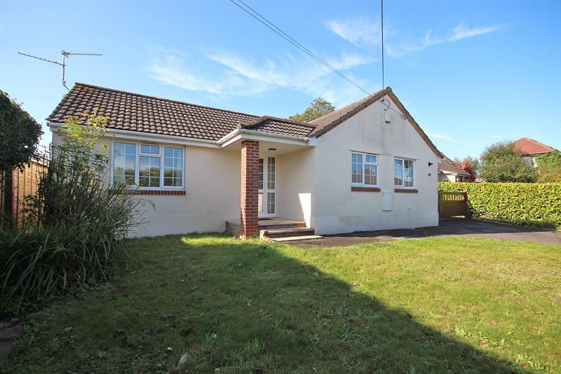 5 Bedrooms Detached Bungalow for sale in Hanham Road, Corfe Mullen, Wimborne