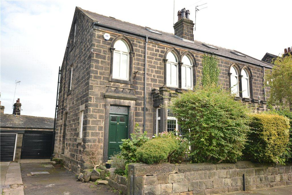 4 Bedrooms Semi Detached House for sale in Stanhope Avenue, Horsforth, Leeds