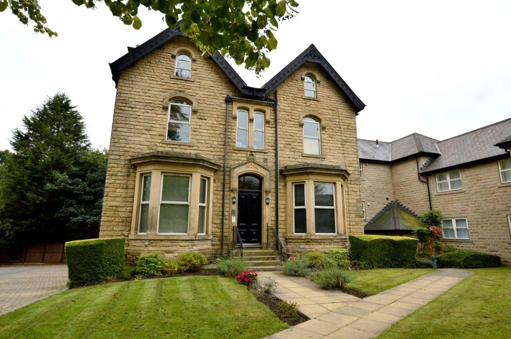 2 Bedrooms Apartment Flat for sale in Apartment 3, Park Villas, Roundhay, Leeds
