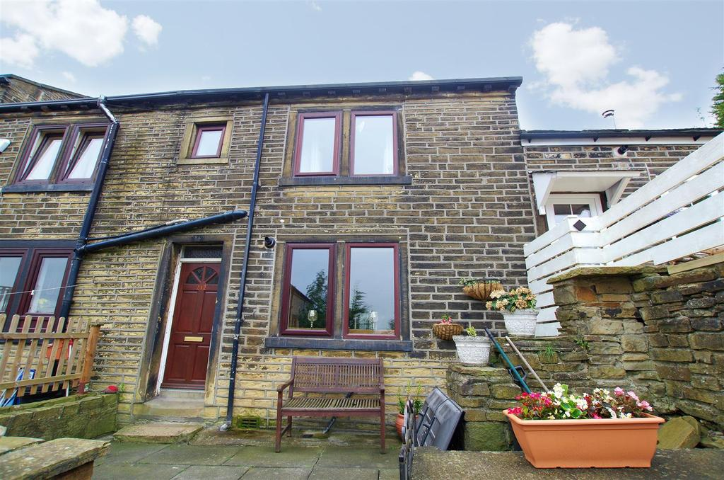 4 Bedrooms Terraced House for sale in Boothtown Road, Halifax