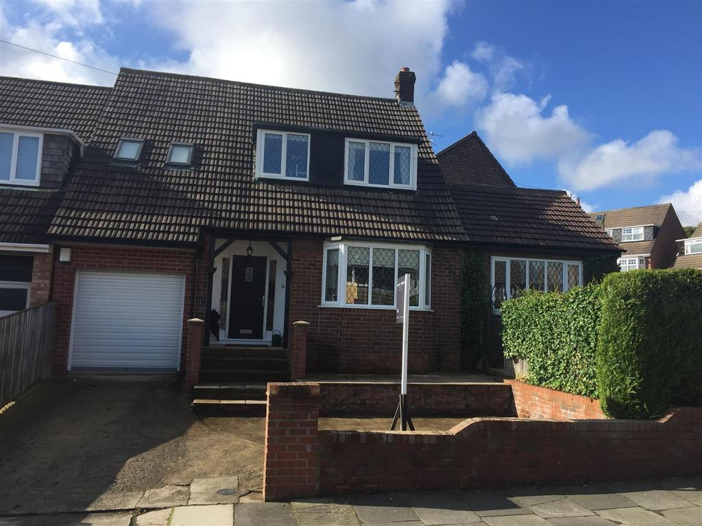 4 Bedrooms Detached House for sale in Myrella Crescent, Tunstall, Sunderland