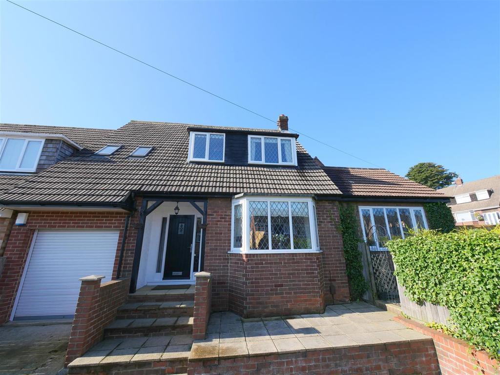 4 Bedrooms Detached House for sale in Myrella Crescent, Tunstall, Sunderland