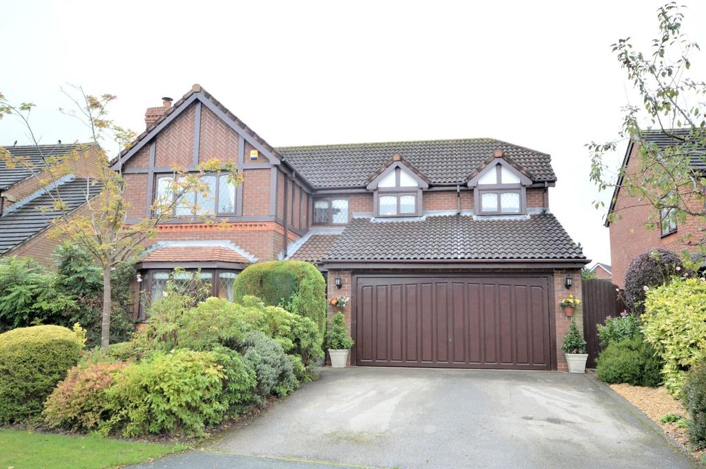 4 Bedrooms Detached House for sale in Barshaw Gardens, Appleton, Warrington