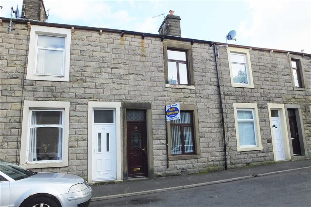 2 Bedrooms Terraced House for sale in Cobden Street, Barnoldswick, Lancashire, BB18