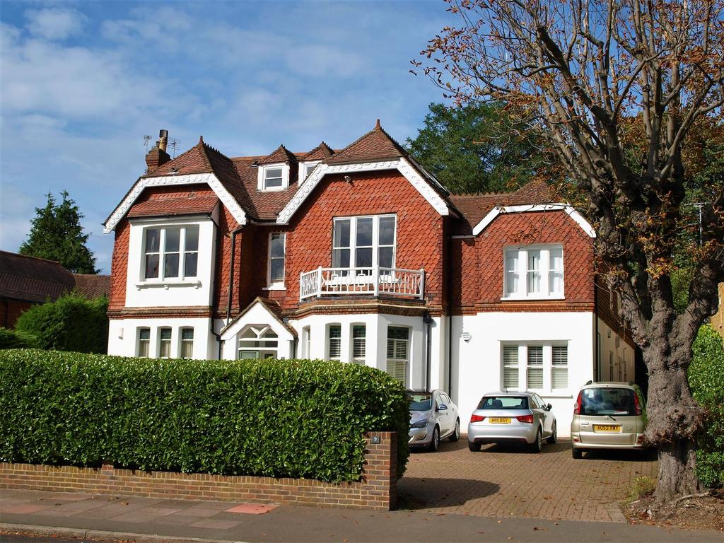 1 Bedroom Flat for sale in Park Hill Road, Shortlands, Bromley