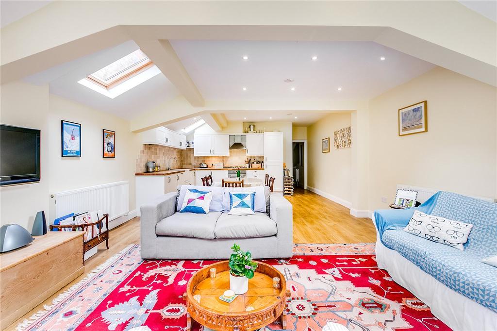 2 Bedrooms Flat for sale in Atalanta Street, Bishops Park, London