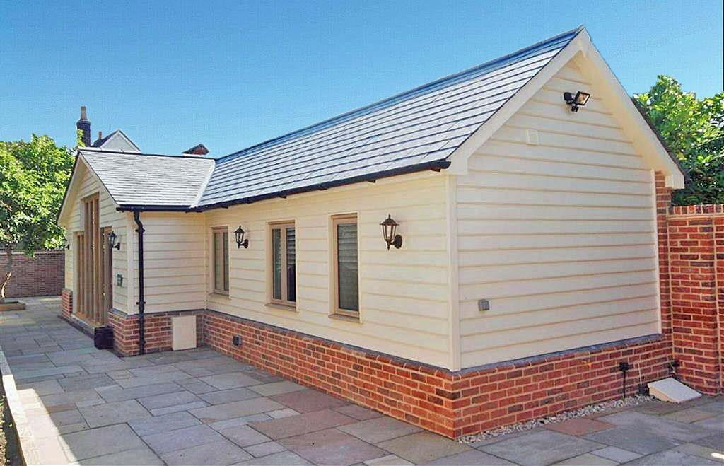 2 Bedrooms Bungalow for sale in Trove House, Baldock Road, Buntingford