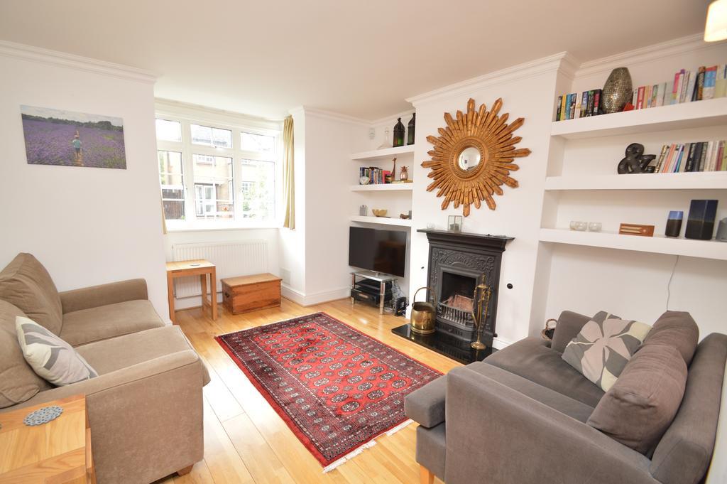 4 Bedrooms Semi Detached House for sale in Sunbury Lane, WALTON ON THAMES KT12