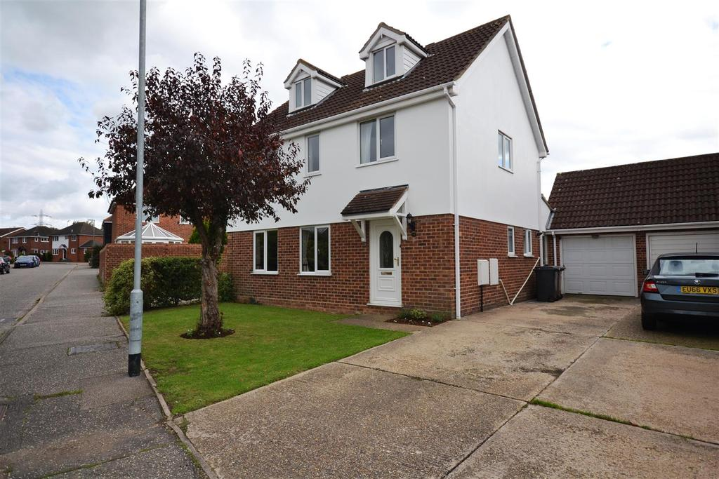 5 Bedrooms Detached House for sale in Brent Avenue, South Woodham Ferrers