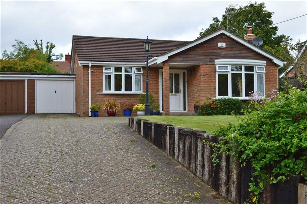 2 Bedrooms Detached Bungalow for sale in The Close, Blandford Forum, Dorset