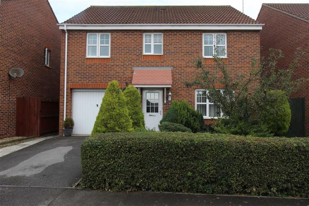 4 Bedrooms Detached House for sale in Airedale Drive, Bridlington, East Yorkshire, YO16