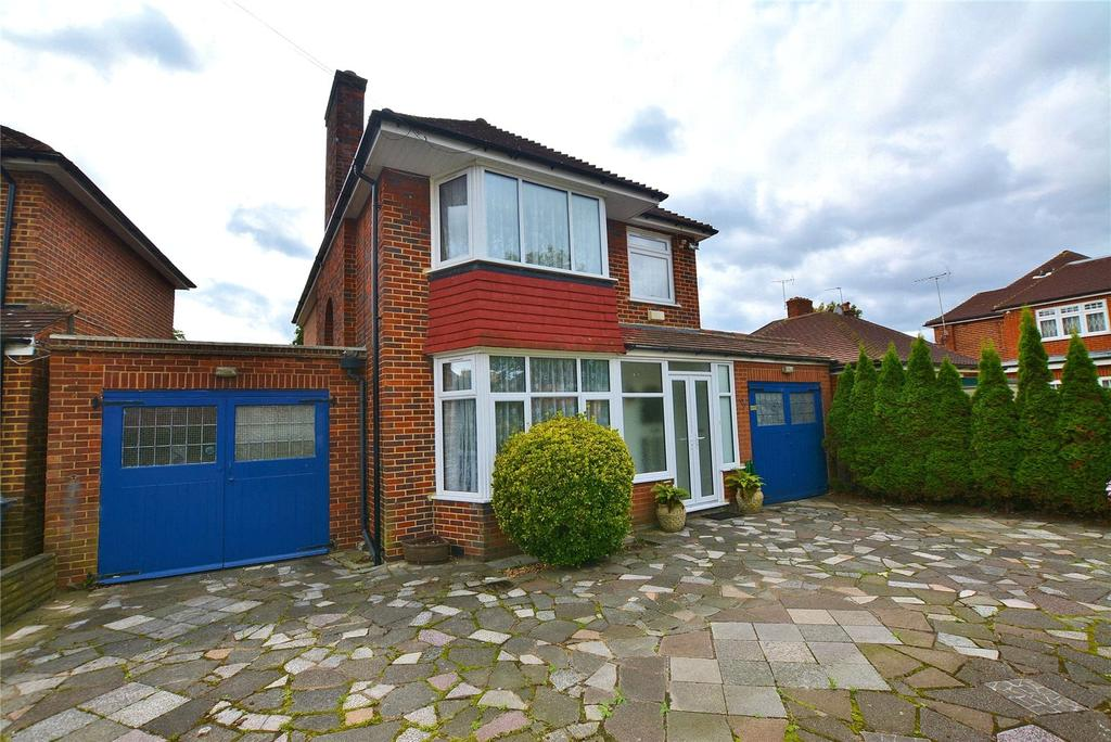 3 Bedrooms Detached House for sale in Tewkesbury Gardens, London, London, NW9