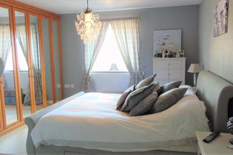 4 bedroom townhouse to rent - TUDOR CRESCENT, PORTSMOUTH PO6