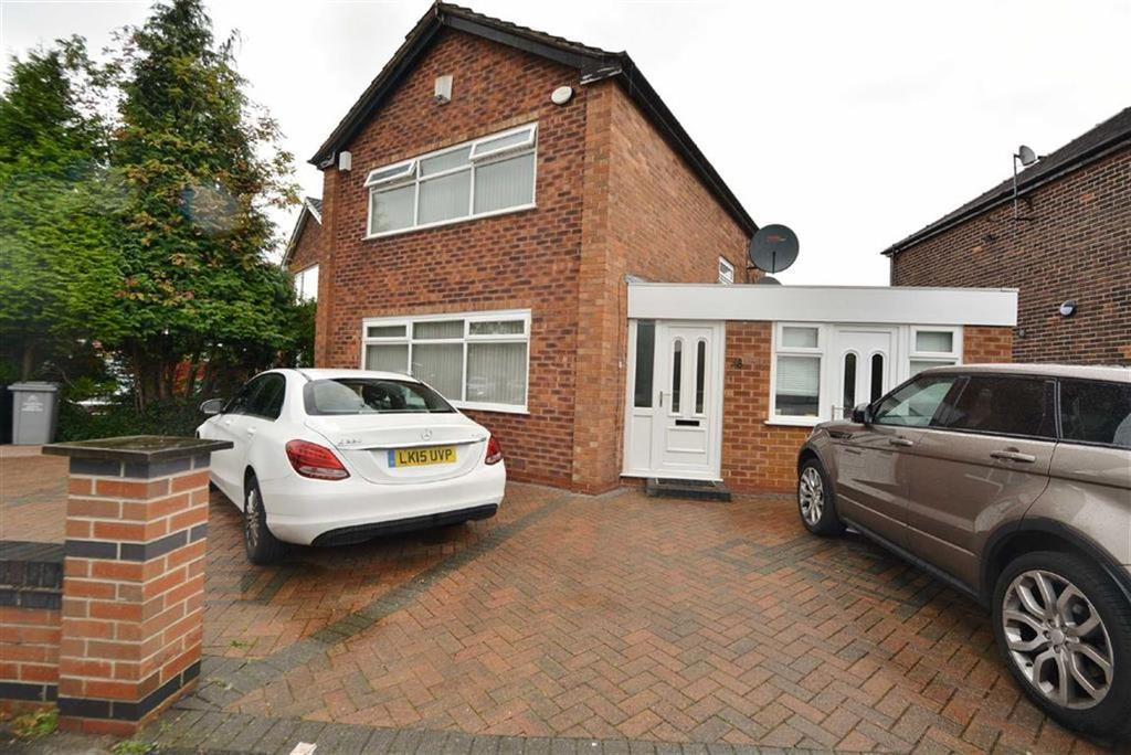 3 Bedrooms Detached House for sale in Rye Bank Road, FIRSWOOD, Manchester