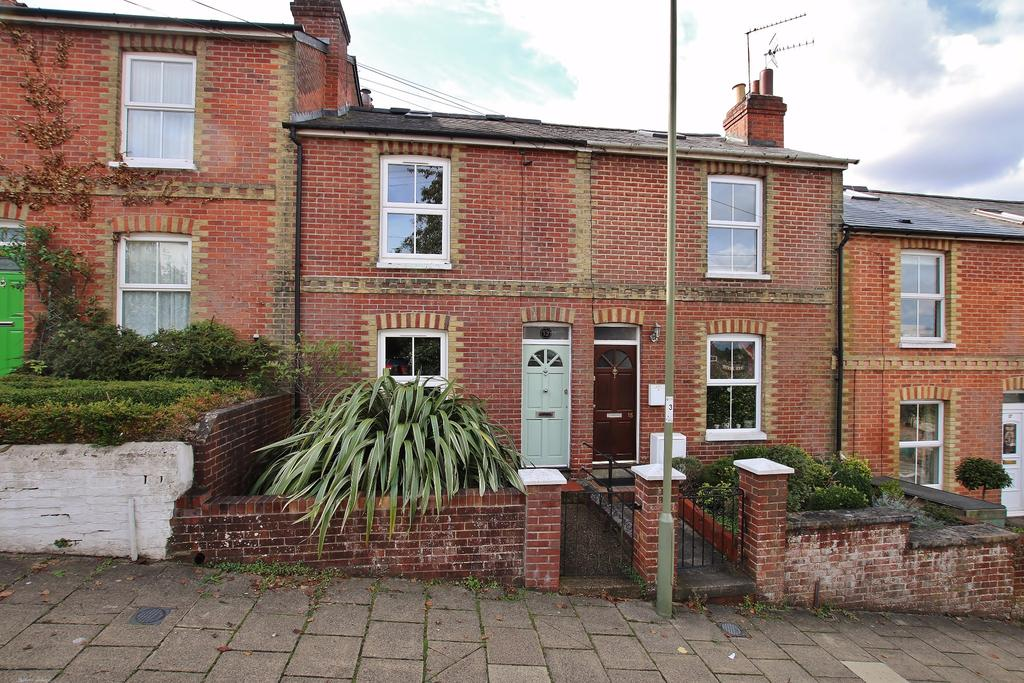 3 Bedrooms Terraced House for sale in Cheriton Road, Fulflood, Winchester