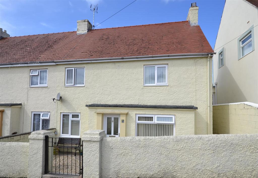 5 Bedrooms Semi Detached House for sale in Neyland