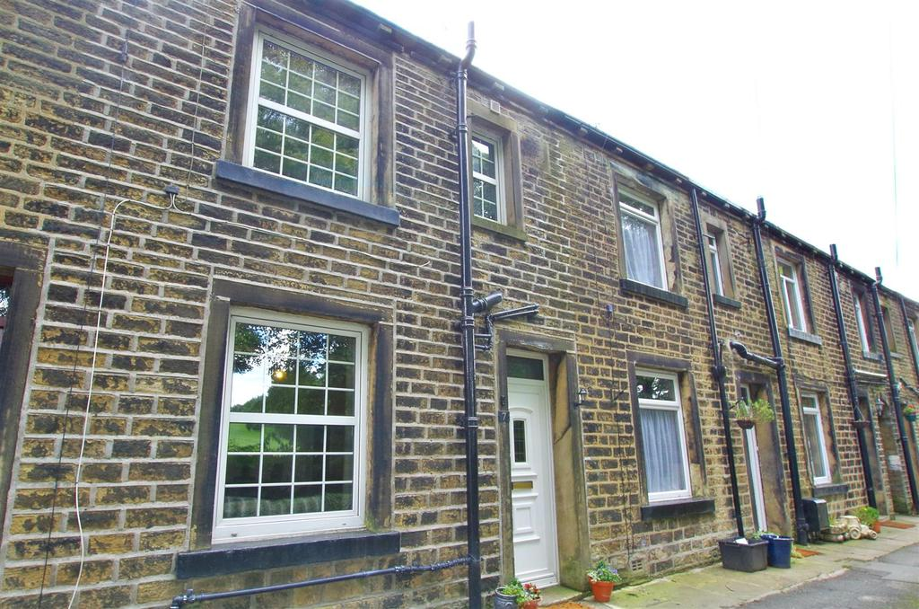 2 Bedrooms Cottage House for sale in Broad Carr Terrace, Holywell Green, Halifax