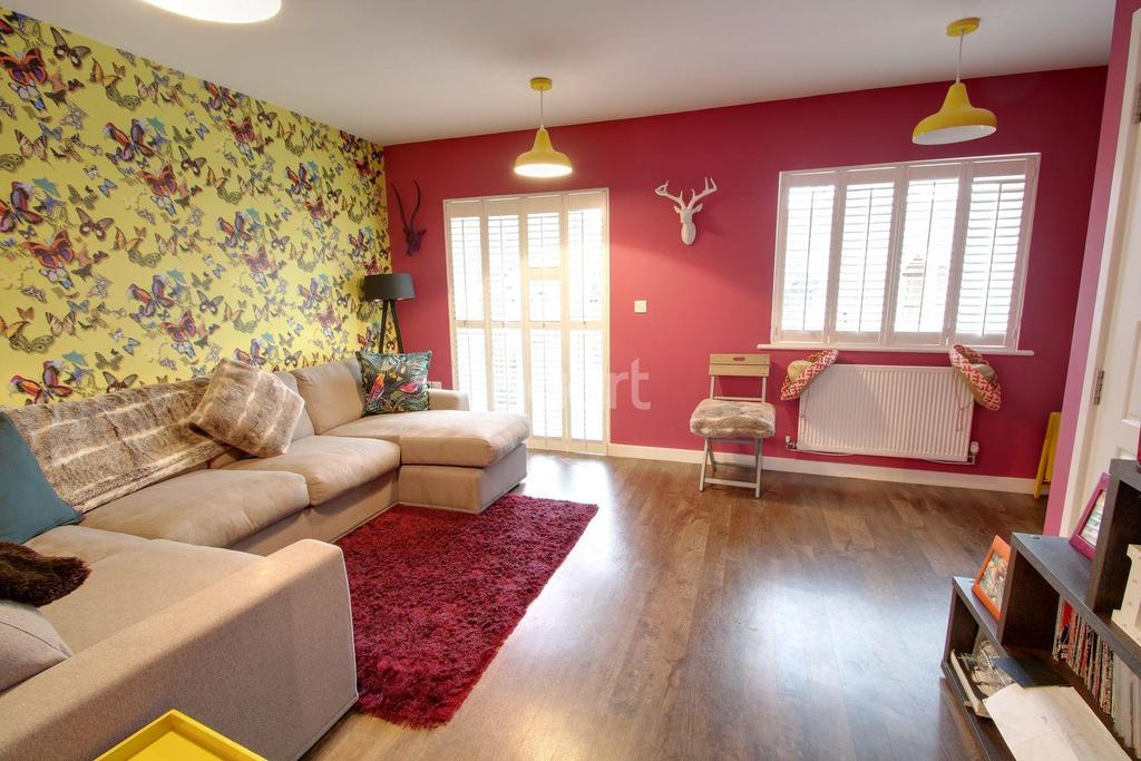 2 Bedrooms Terraced House for sale in Meyrick Mead, Harlow