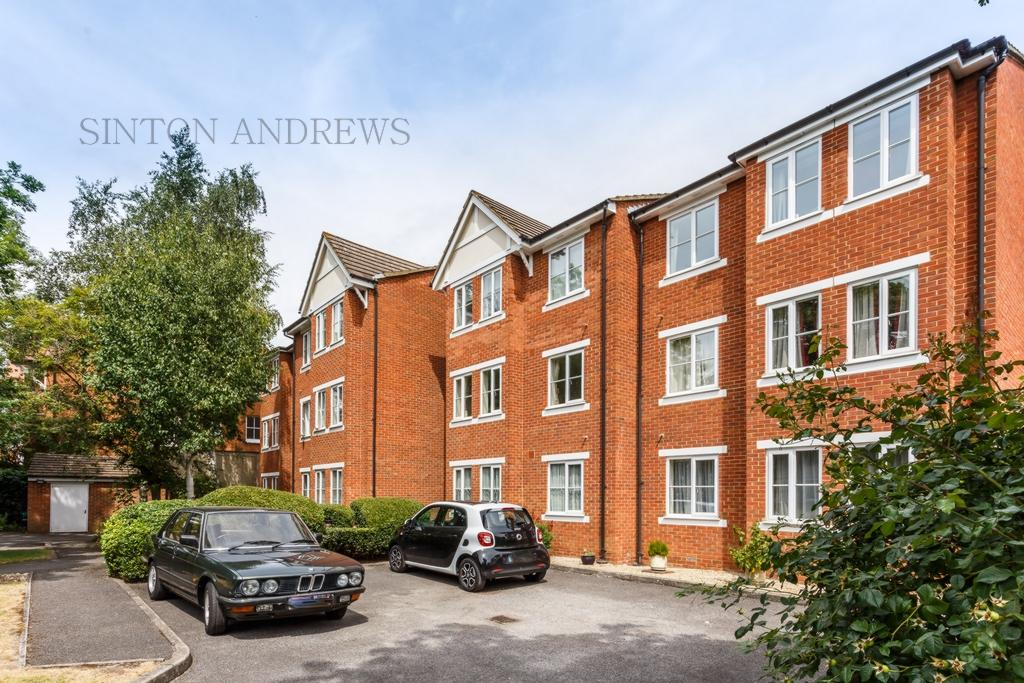1 Bedroom Flat for sale in Bampton Court, Blakesley Avenue, Ealing, W5