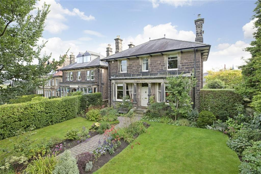3 Bedrooms Detached House for sale in Ripon Road, Harrogate, North Yorkshire