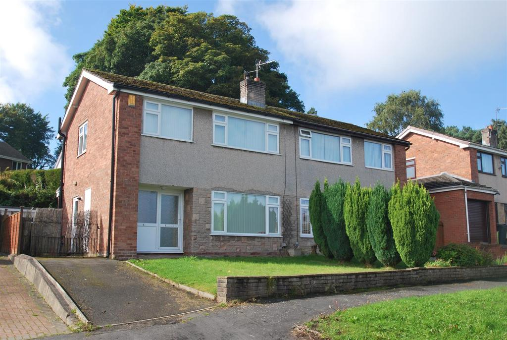 3 Bedrooms Semi Detached House for sale in Eversley Close, Frodsham