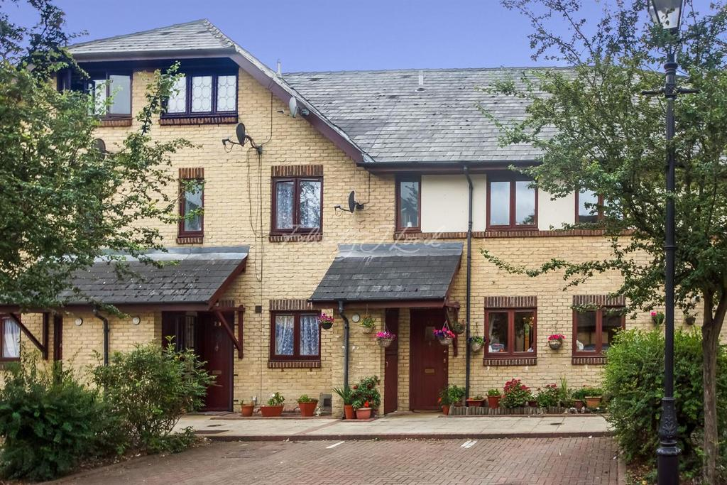 4 Bedrooms Terraced House for sale in Willow Tree Close, E3