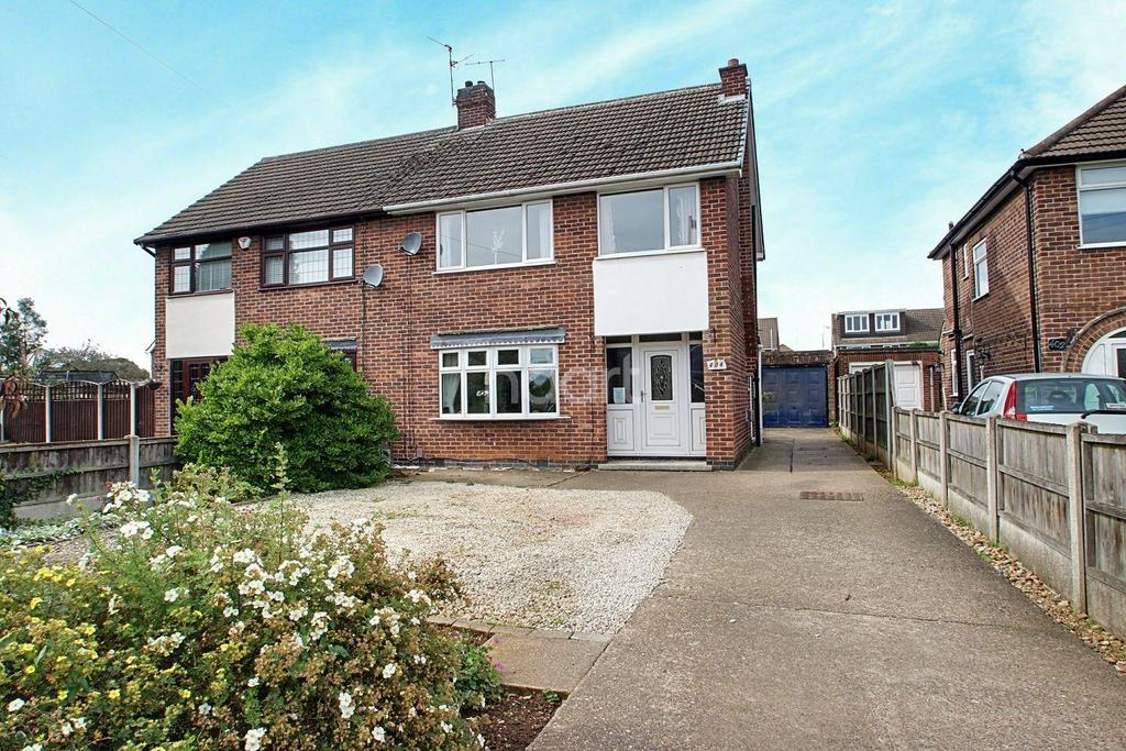 3 Bedrooms Semi Detached House for sale in Watnall Road, Hucknall