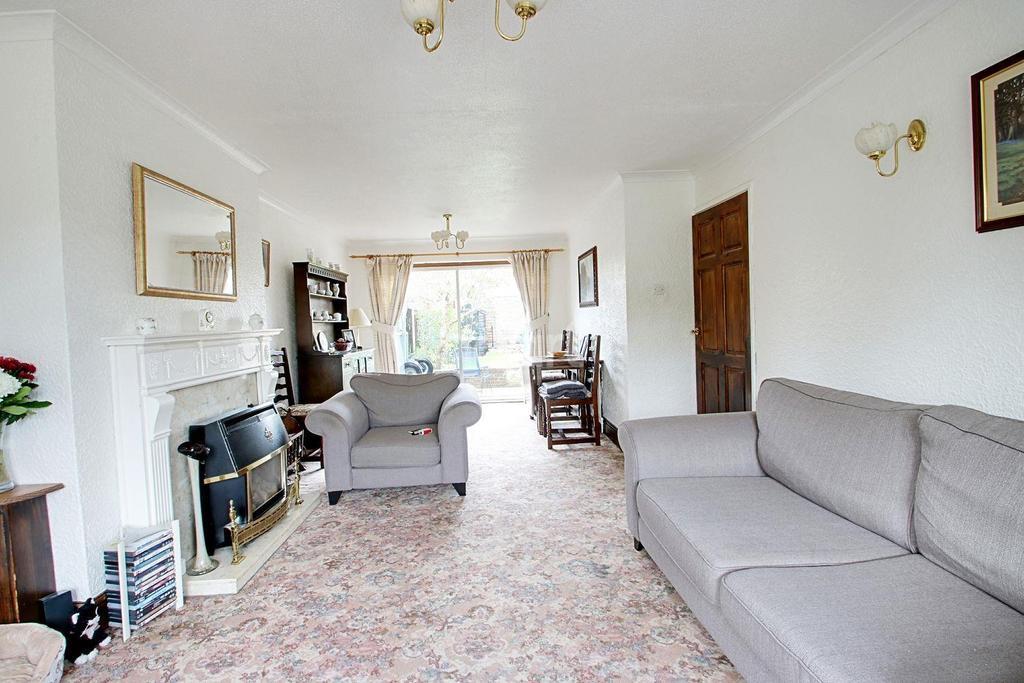 3 Bedrooms Semi Detached House for sale in Watnall Road, Hucknall
