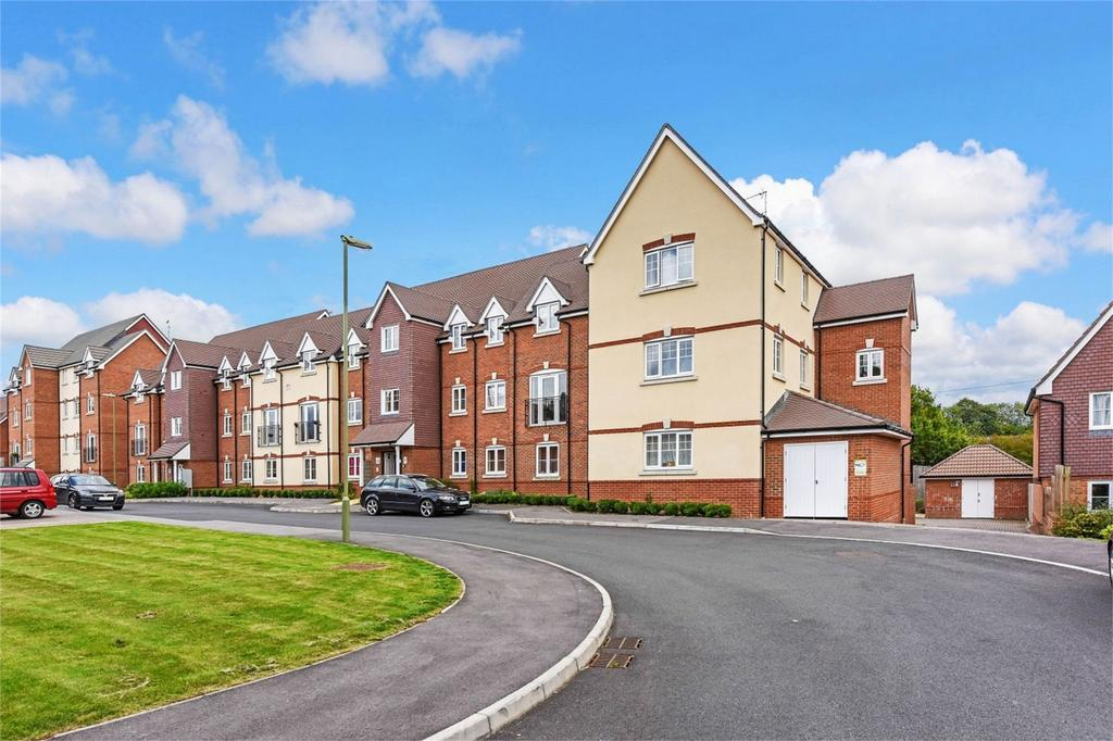 1 Bedroom Flat for sale in Garstons Way, HOLYBOURNE, Hampshire