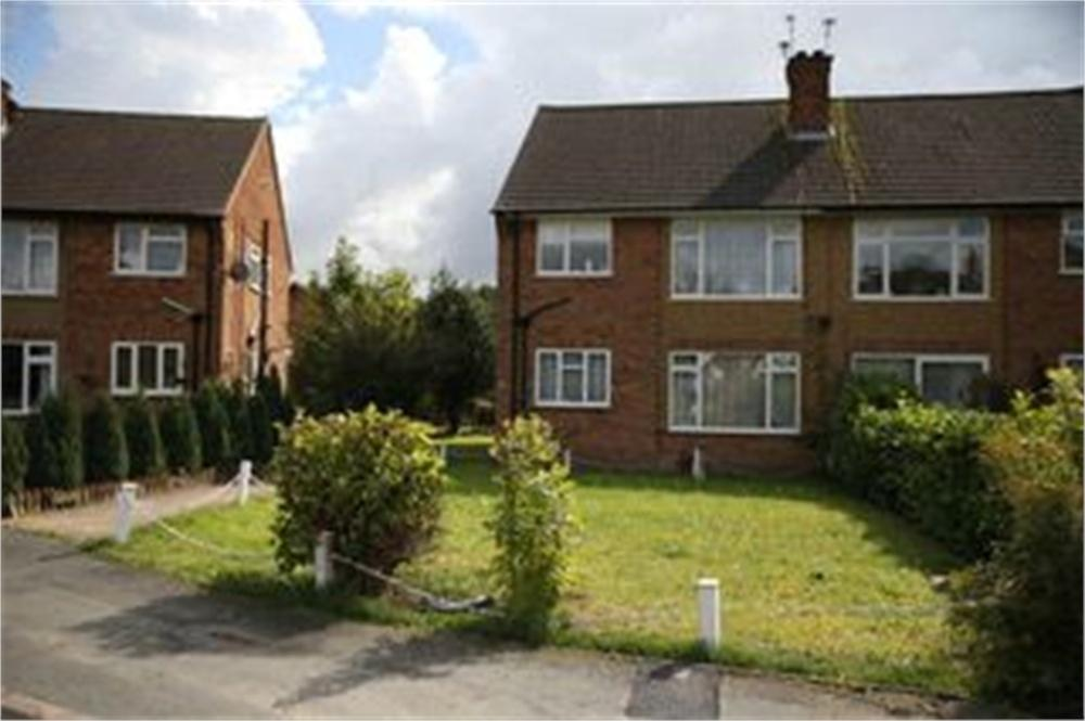 2 Bedrooms Maisonette Flat for sale in Leaford Crescent, WATFORD, Hertfordshire