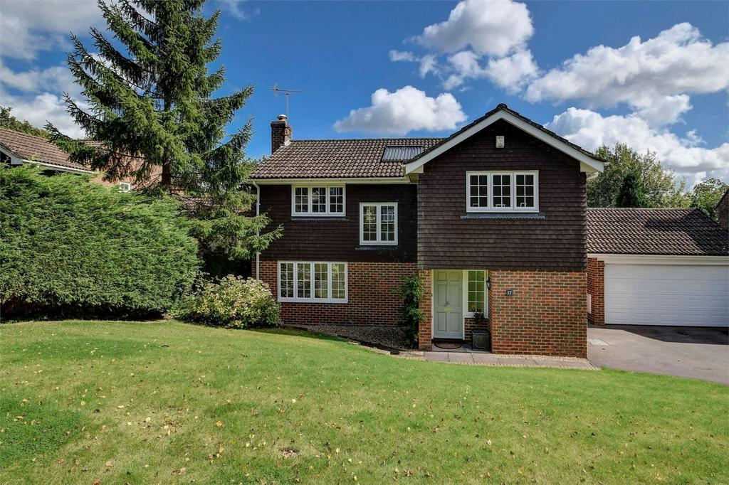 4 Bedrooms Detached House for sale in Priors Wood, HASLEMERE, Surrey