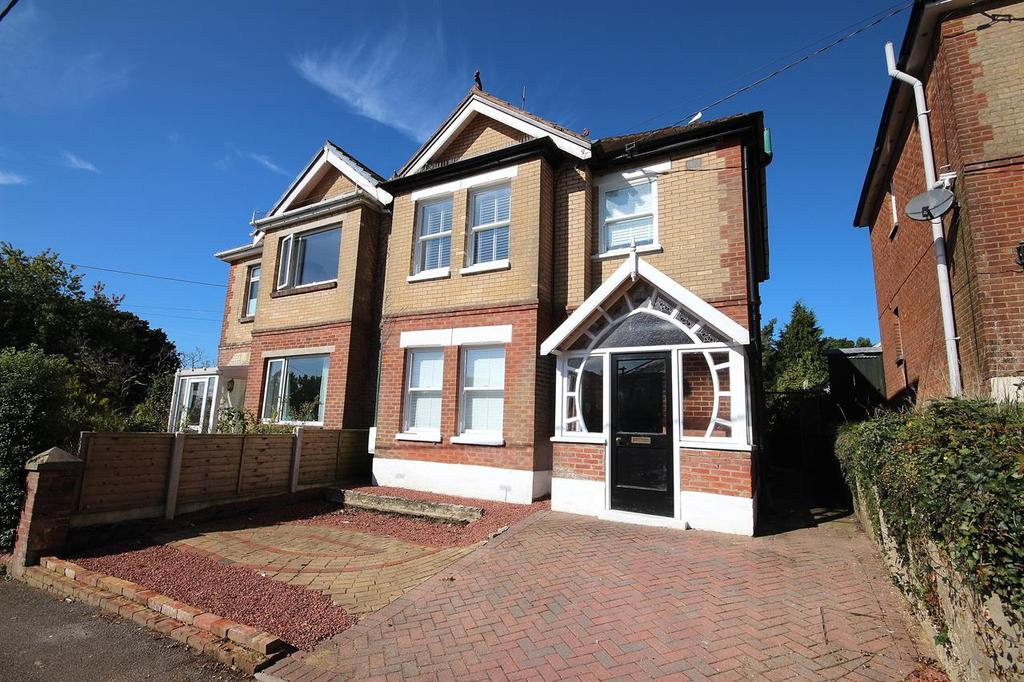 5 Bedrooms Semi Detached House for sale in Northbrook Road, Broadstone