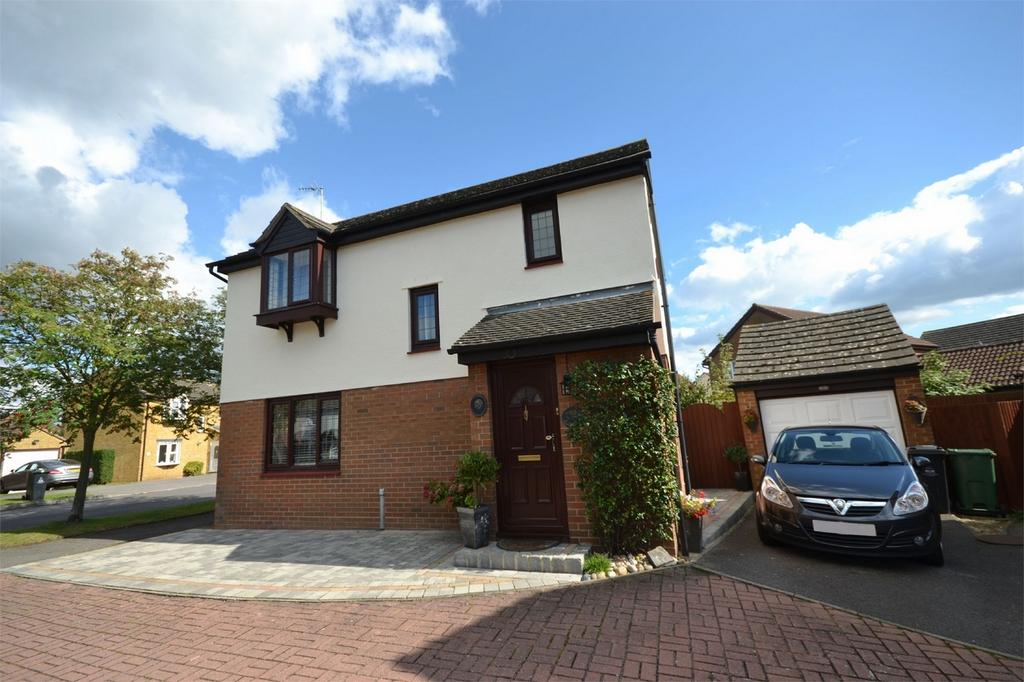 3 Bedrooms Detached House for sale in Lawling Avenue, Heybridge, Maldon, Essex