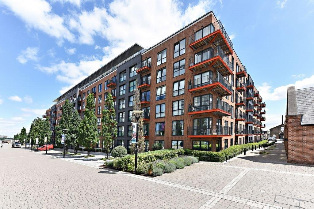 1 Bedroom Penthouse Flat for sale in Pavillion Square, Duke of Wellington Avenue, Royal Arsenal Riverside, SE18