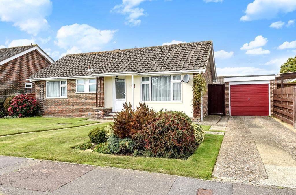 2 Bedrooms Detached Bungalow for sale in Pryors Lane, Aldwick, Bognor Regis, PO21