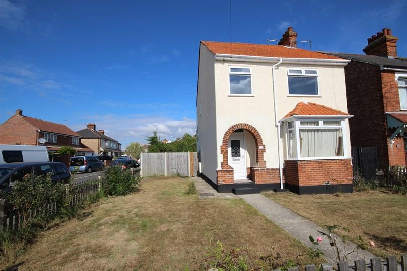 3 Bedrooms Detached House for sale in St. Osyth Road, Clacton-On-Sea