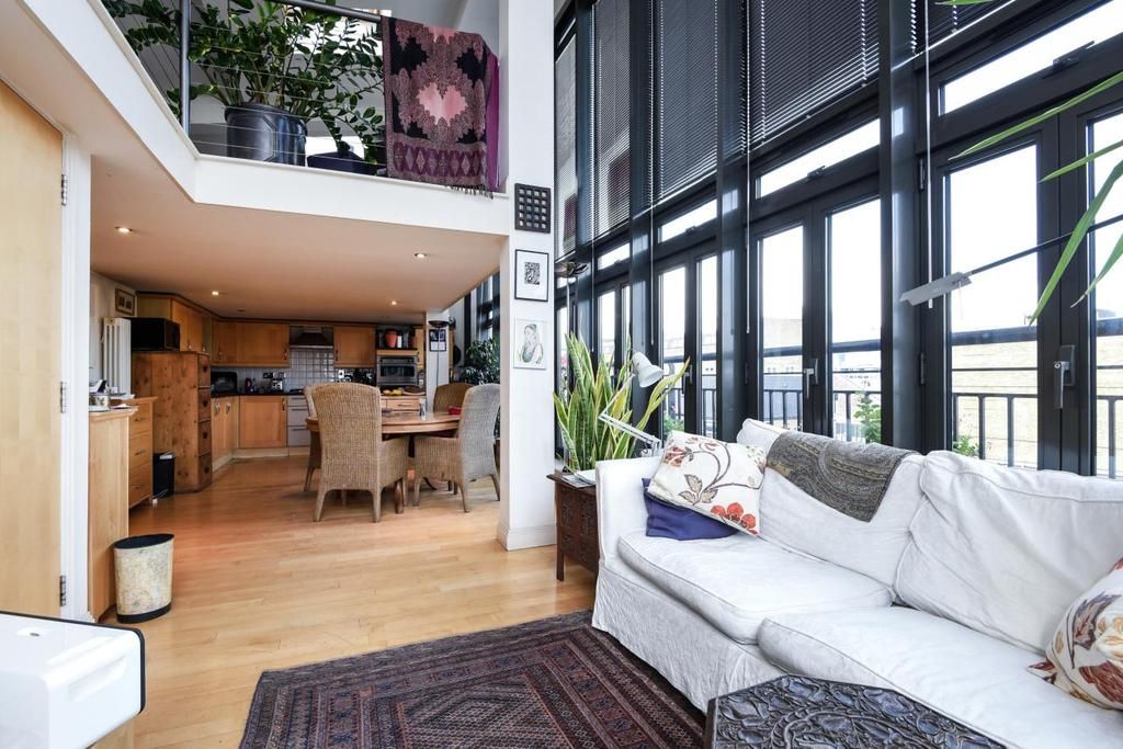 3 Bedrooms Flat for sale in Surrey Row, Southwark